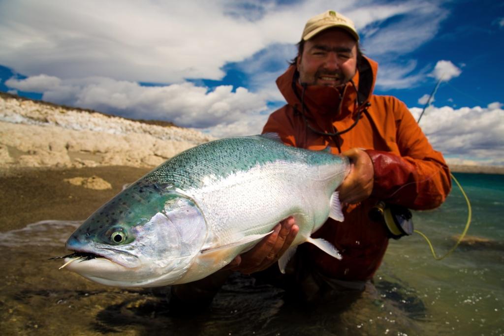 Estancia laguna verde fly fishing lodge fly dreamers for Santa cruz fishing