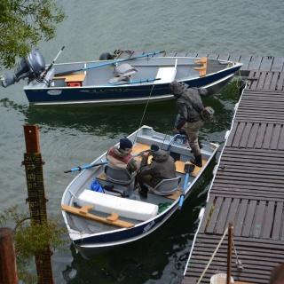 Inicio de jornada de pesca en Yelcho