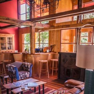Livingroom - Yelcho lodge