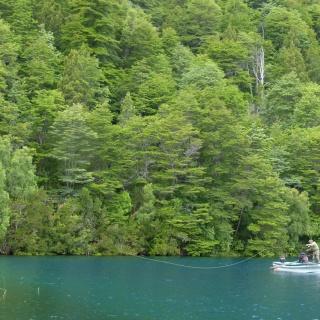 Pesca en Lago Las Rocas