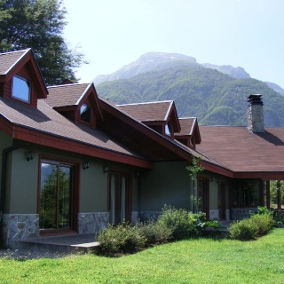 All Rooms with stunning view of Rio Simpson Valley