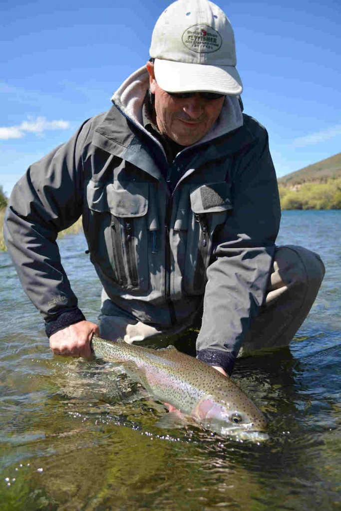 Patagonia drift fly fishing outfitter fly dreamers for Fly fishing outfitters