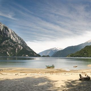 Playa del Correntoso, Lago Yelcho