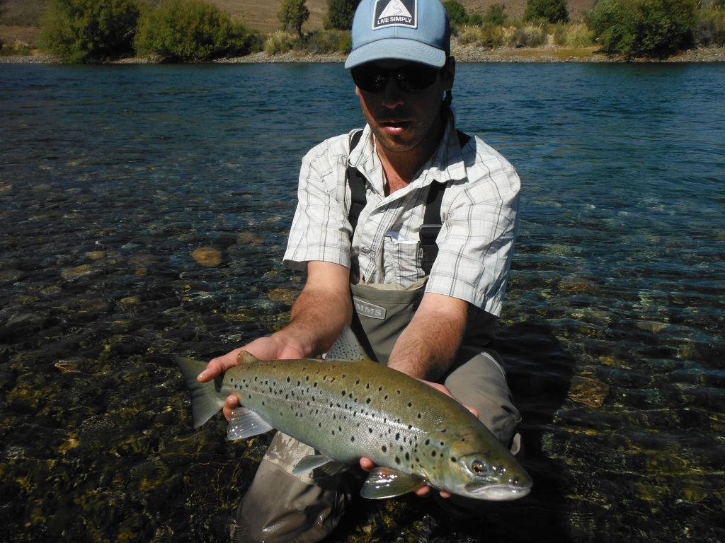 Lucas amestoy fly fishing guide fly dreamers directory for Fishing in argentina