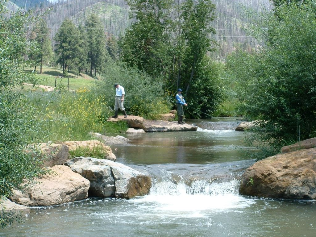 Cow creek ranch fly fishing lodge fly dreamers directory for Fishing new mexico