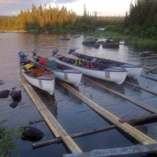Igloo Lake Lodge - new fibreglass 23 foot river boats