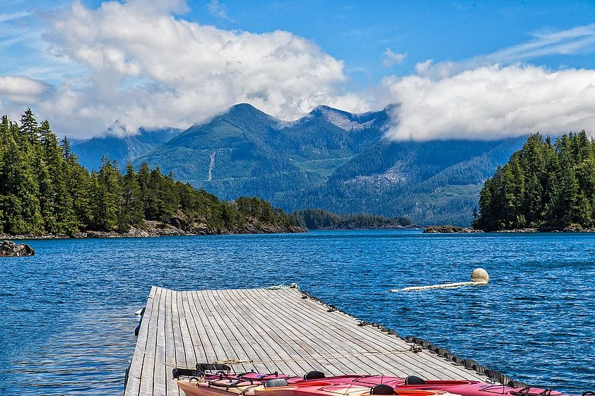Browns bay resort fly fishing lodge fly dreamers directory for British columbia fishing lodges