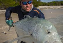 Black Fly Eyes Flyfishing 's Fly-fishing Pictureof a Giant Trevally| Fly dreamers