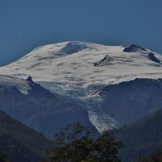 THE MAGNIFICENT MICHMAHUIDA GLACIER AT THE SOUTHERN ENTRANCE TO PUMALIN PARK ADJACENT TO PUMA LODGE