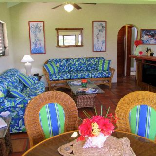 Flat screened TV, WiFi and a fully equipped kitchen