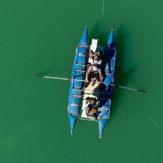 Nuestro equipo en medio de la navegacion en nuestro cataraft