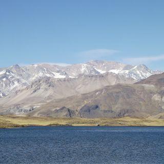 Cerro Domuyo y Laguna Varvarco Tapia