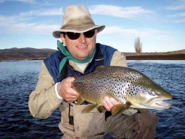 Fernando Hook & Gold Outfitters 's Fly-fishing Photo of a Brown trout – Fly dreamers