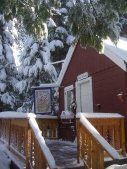 Tahoma Meadows B&B - Cozy Cottages at Lake Tahoe