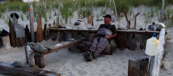 Hugh taking a break in a local hang out with a friend. Ahhhhhh seaside living