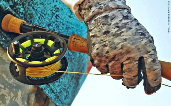 pesca con mosca primer plano