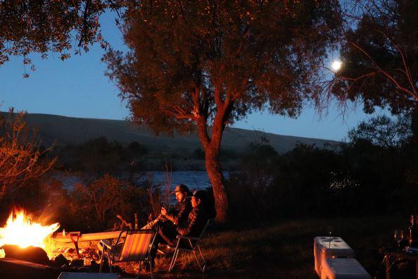 Fishing and camping season just  started, this pic was the first sunset with a full moon on the Caleufu river, thanks Jeff Davies great days !!! La temporada de pasar y camping acaba de empezar. Está es una foto de nuestro primer atardecer con luna llena...