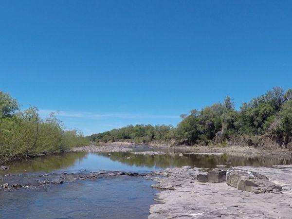 Norte de uruguay!!! Lugares sin forestación y sin agricultura!!! Ganadería extensiva.