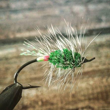 Green Machine atada en Daiichi Alec Jackson steelhead iron