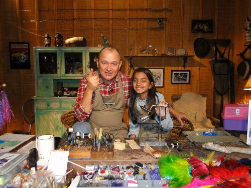 """Fd: ¿Cómo te iniciaste en la pesca con mosca?Betinho: Antes de pescar con moscas fui """"contaminado"""" a los 5 años de edad por mi abuela Madalena, en el Rio Tietê (interior del estado de São Paulo). Mi abuelita pasó las primeras ideas de pesca deportiv..."""
