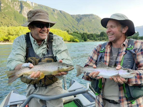 Buen día de pesca con Andrés y Cristóbal!!! Fuerza Futaleufu, generoso en todos tus dias 💪💪💪