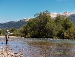 Pescando con mosca en la Patagonia junto a SouthernLoops
