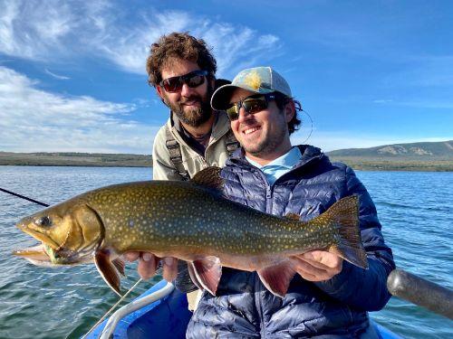 7 DIAS / 6 NOCHES / 6 DIAS DE PESCA. Es uno de los más nuevos e innovadores programas de pesca en el mundo. Descubrirás increíbles aventuras viajando y pescando por la Patagonia.El programa completo dura siete días desde la llegada hasta el regreso...